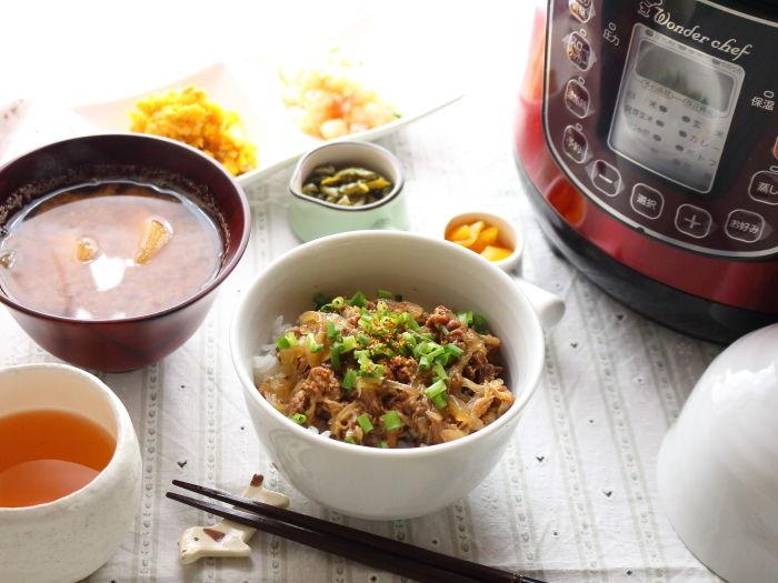 """つゆだく&ねぎのせ牛丼☆""""牛肉ダシダ""""で作ってみた!"""