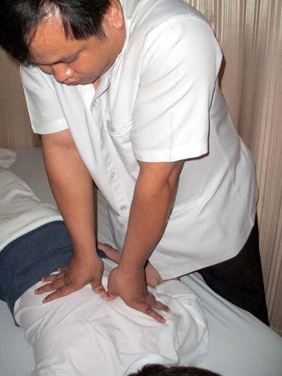 タイ古式マッサージ2