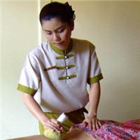 Leyana_Aroma Massage