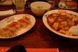 梅しそ餃子とマーボー丼