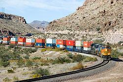 250px-BNSF_5216_West_Kingman_Canyon_AZ_(293094839)