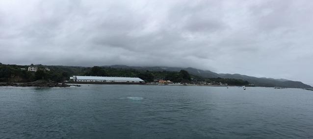 台風21号接近中の平沢ビーチの様子