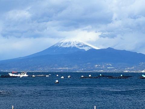 富士山も大荒れ