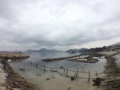雨模様の平沢ビーチ