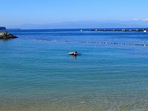 砂浜では限定水域トレーニングも