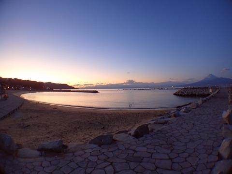 夕暮れと富士山@らららサンビーチ