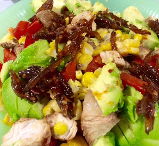 チキンアボカドサラダ