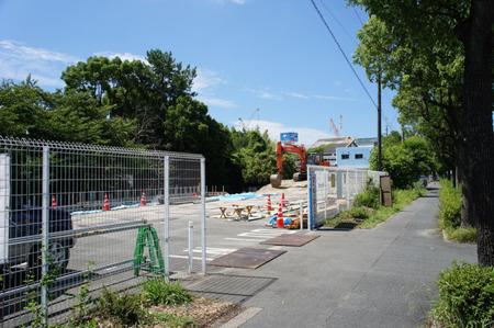 日置天神社倉庫20120731100509