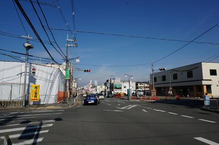 セブンイレブン枚方長尾家具町2丁目店130212-05