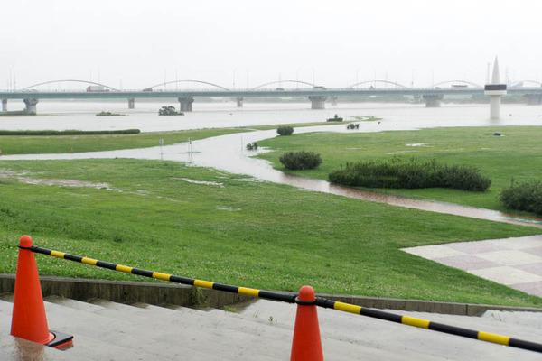 河川公園3-1807063