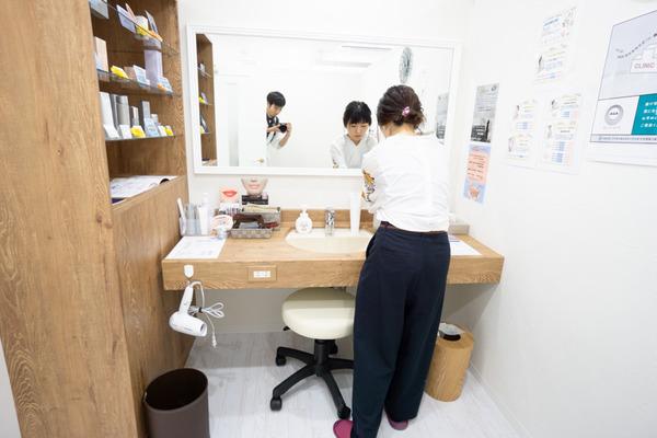 skin-clinic-12