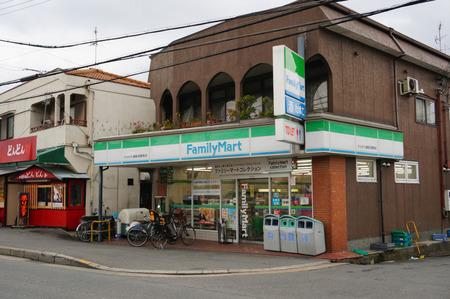 ファミリーマートひらかた酒販招提南店130219-09