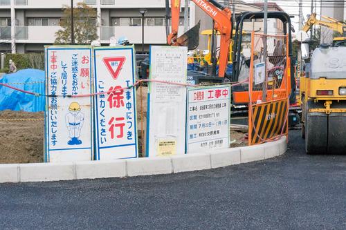 津田駅前-15022702