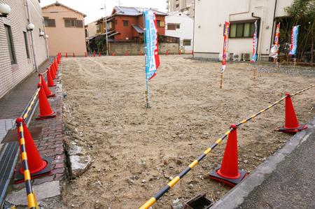 伊加賀東町1401291-1