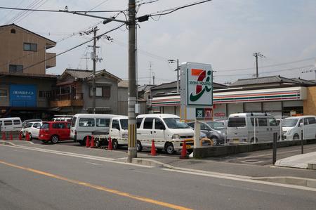 セブンイレブン枚方東船橋店130724-05
