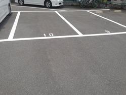 カンプリ駐車場2