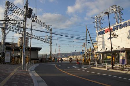 京阪ザ・ストア牧野店121227-03