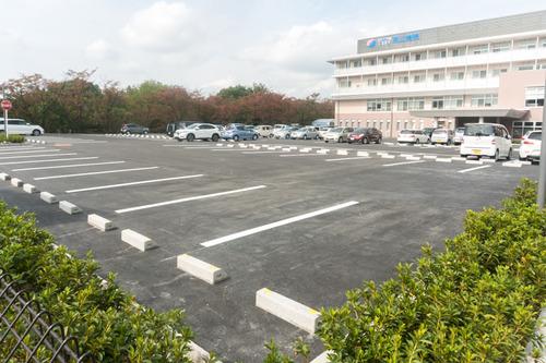 男山病院駐車場-14102115