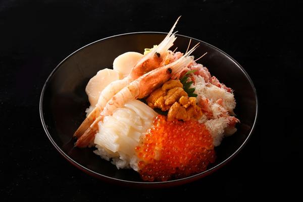函館ぶっかっけ海鮮丼-(1)