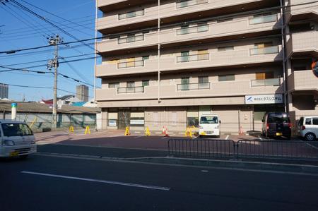 セブンイレブン寝屋川田井店130321-04