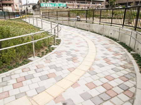 津田駅東公園-14032714
