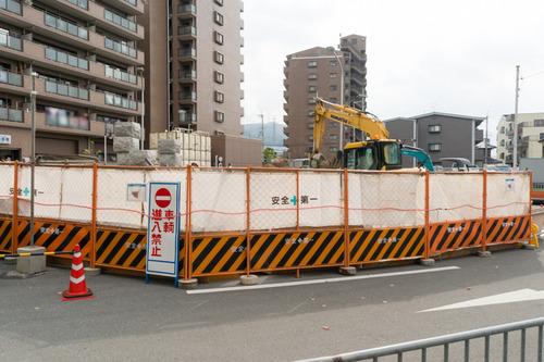 津田駅前-1411125