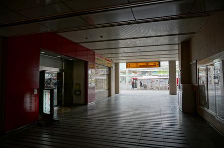 樟葉駅ビル130326-39