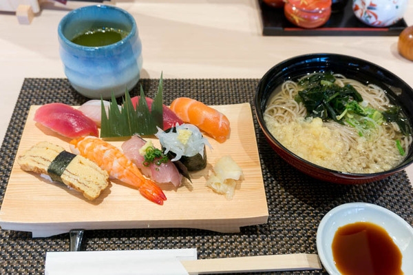 びっくり寿司-1801234
