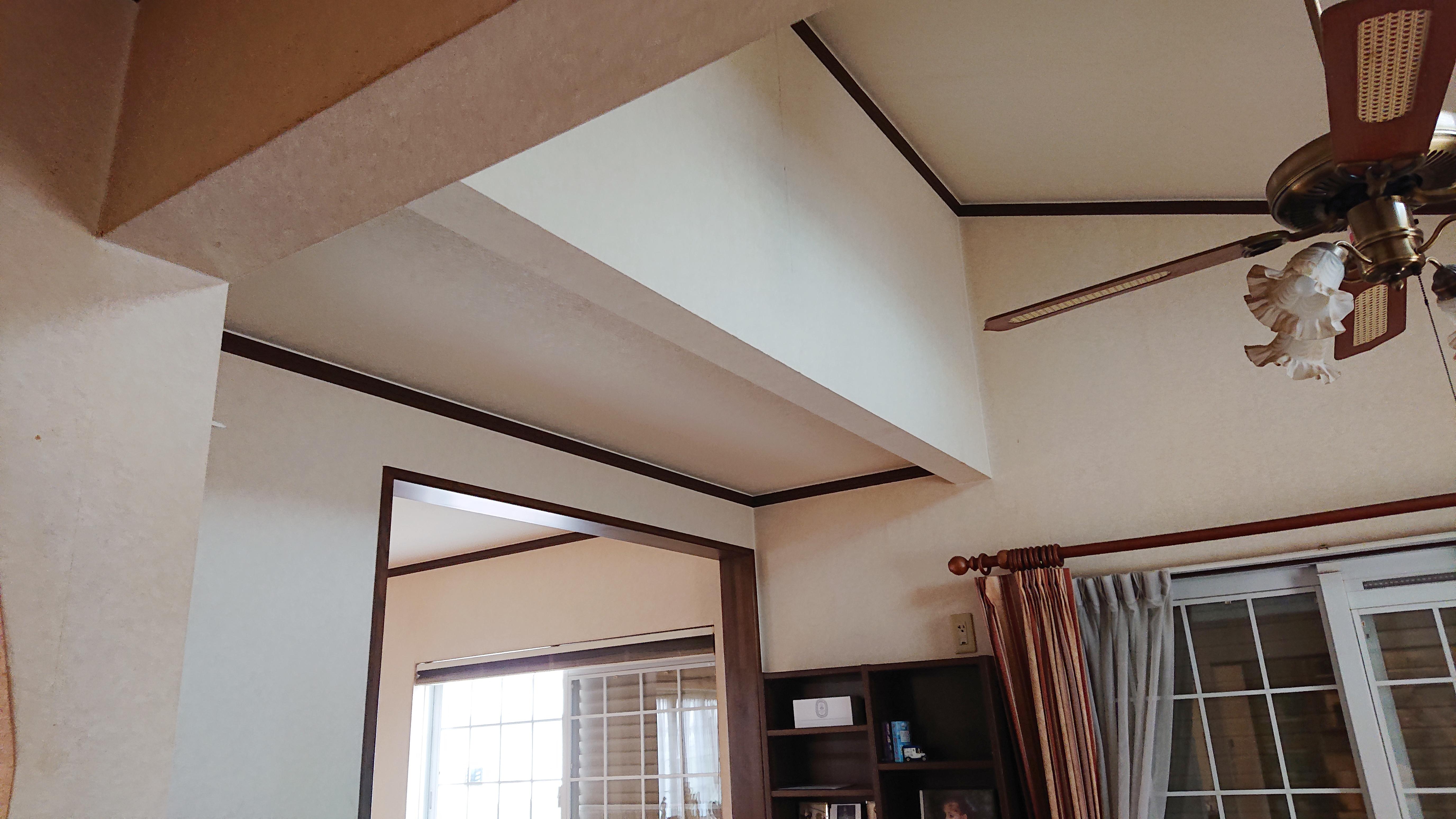 ダイニング天井