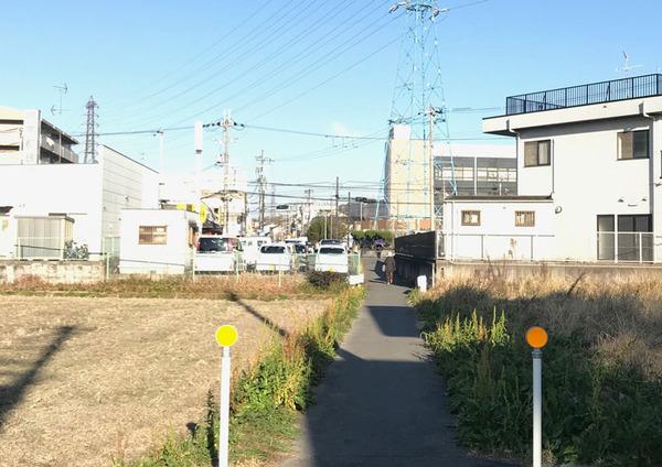 交野駅前9_道