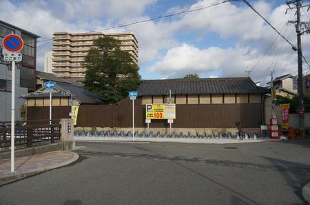 京阪牧野駅前24時間駐輪場131016-01