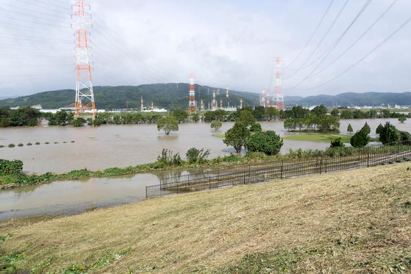 台風-17102361