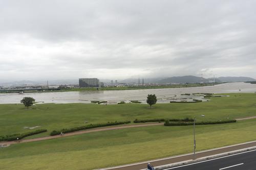 台風11号・淀川-3