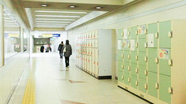 枚方市駅-1802225