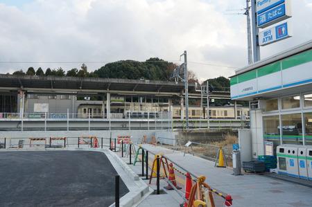 長尾駅前広場131228-05