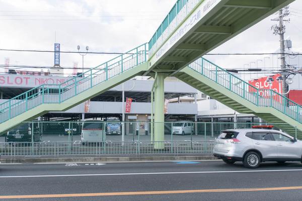 御殿山歩道橋-1802073