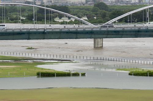 台風11号・淀川-15