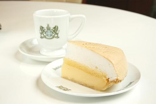 イノダコーヒケーキセット