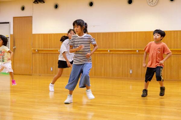dance-18072883