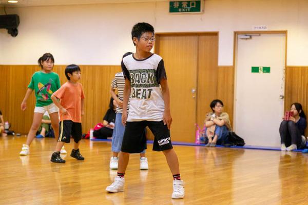 dance-18072881