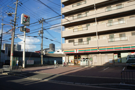 セブンイレブン寝屋川田井20120902170603