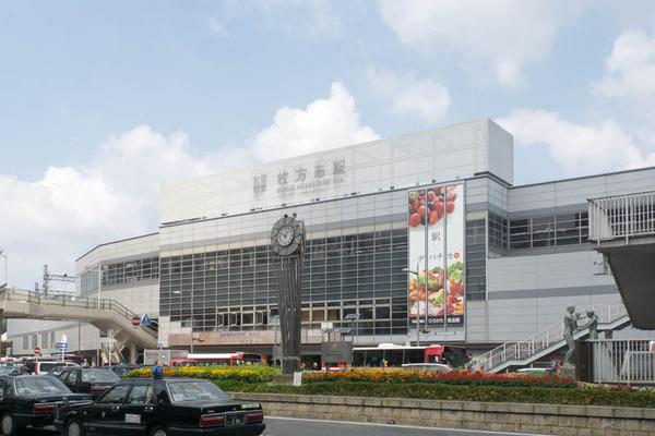 枚方市駅-1608017