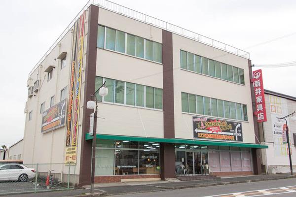 新井家具本館-16122652