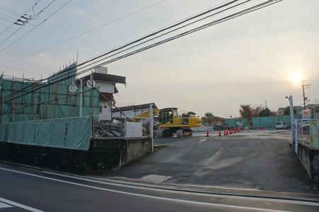 グルメシティ東香里解体121123-05