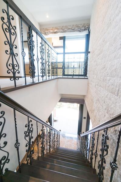 階段から-1