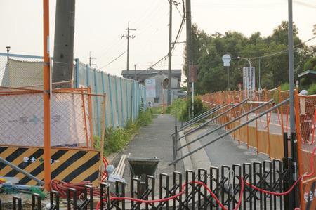 枚方茨木線歩道設置工事130815-10
