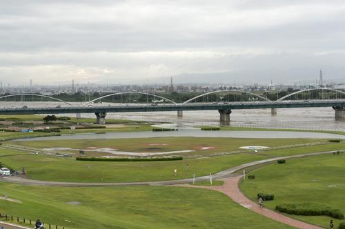 台風11号・淀川-2