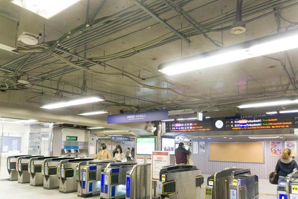 市駅-1804074