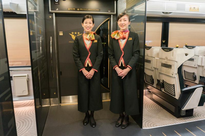 京阪電車の座席指定有料特急「プレミアムカー」に乗ってきた ...