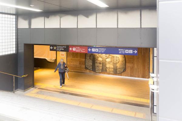 枚方市駅-1812032